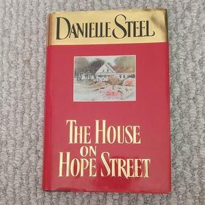 The House On Hope Street Danielle Steel Hardcover